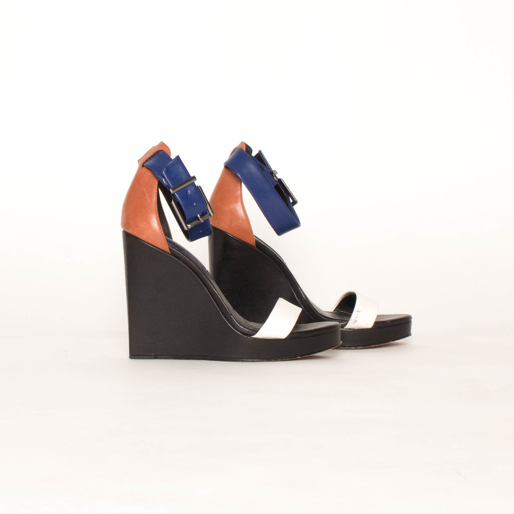 BCBGMAXAZRIA Ledge Colorblock Wedge Sandals