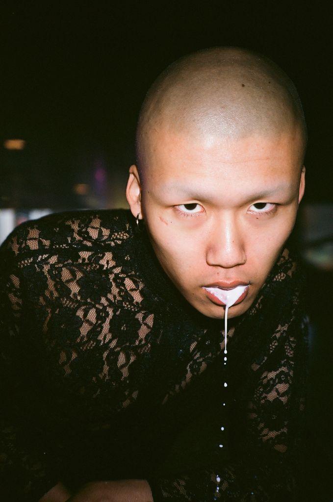 Momo Photograph - 24x36