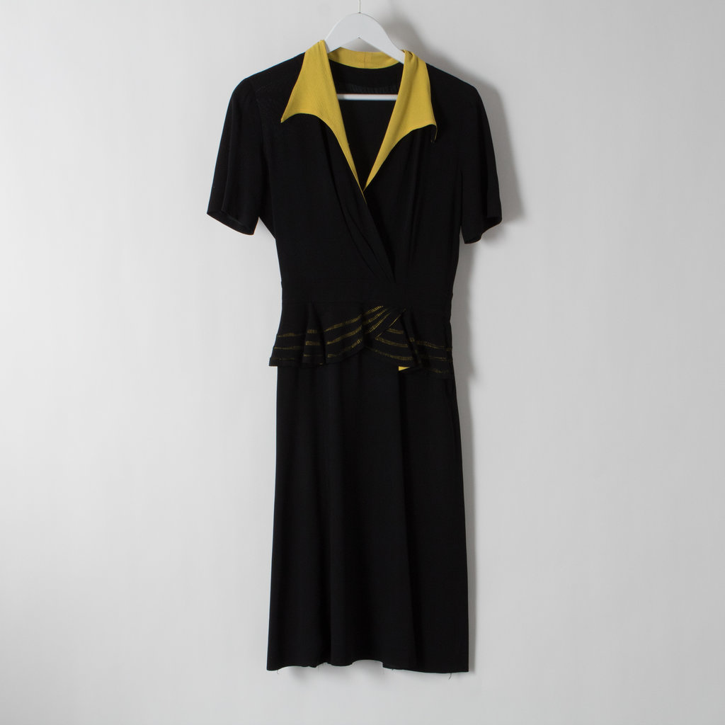 Vintage 1940s Black Crepe Dress With Yellow Colorblock Collar