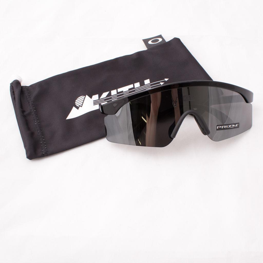 5e387e21c1f3 Kith x Oakley Razorblade Sunglasses