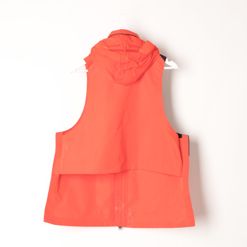 Nikelab ACG Water Repellent Hooded Vest