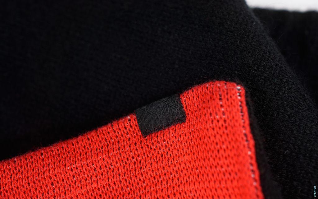 OriginalFake Chomper Knit Scarf