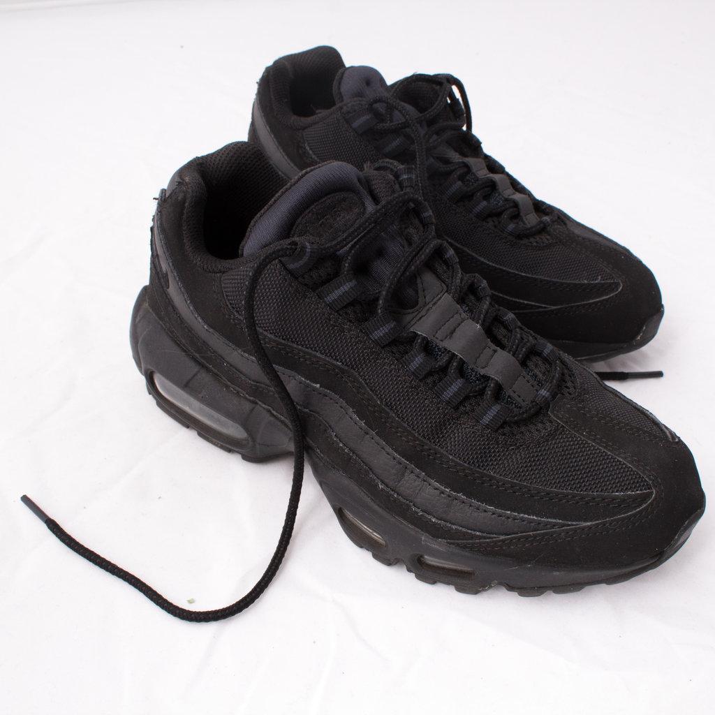best service ba4cb 98e6d Nike Air Max 95 Triple Black by Emily Oberg