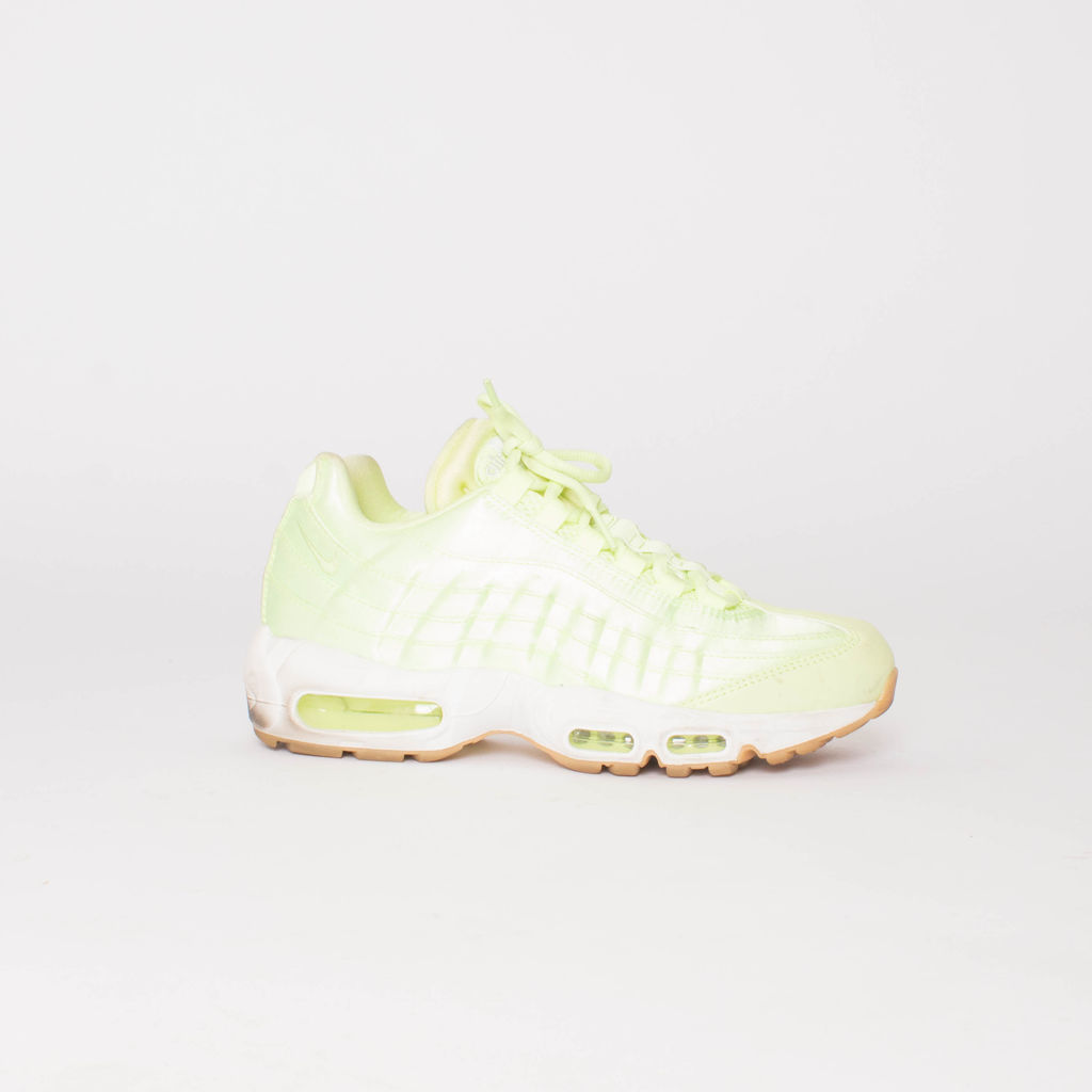 Nike Air Max 95 in Lime Green