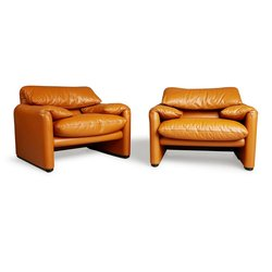 Maralunga Club Chairs by Vico Magistretti for Cassina, circa 1973 curated by Henrik PURIENNE