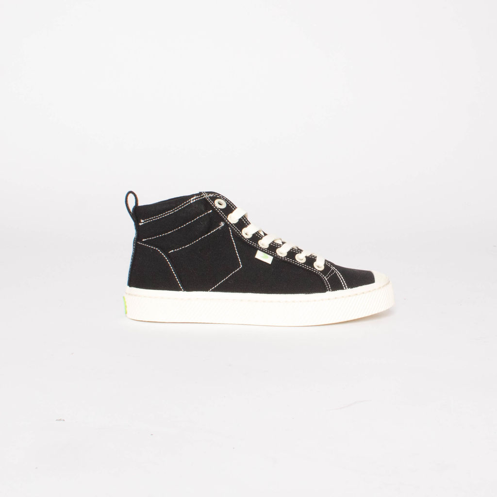 C A R I U M A Black Canvas Contrast Thread Sneaker