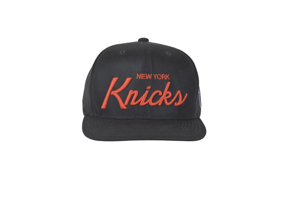 New York Knicks Classic Script Snapback- Grey