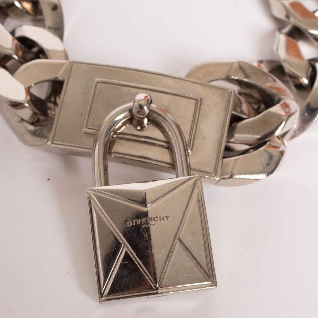 Givenchy Women's Metallic Lock Pendant Choker