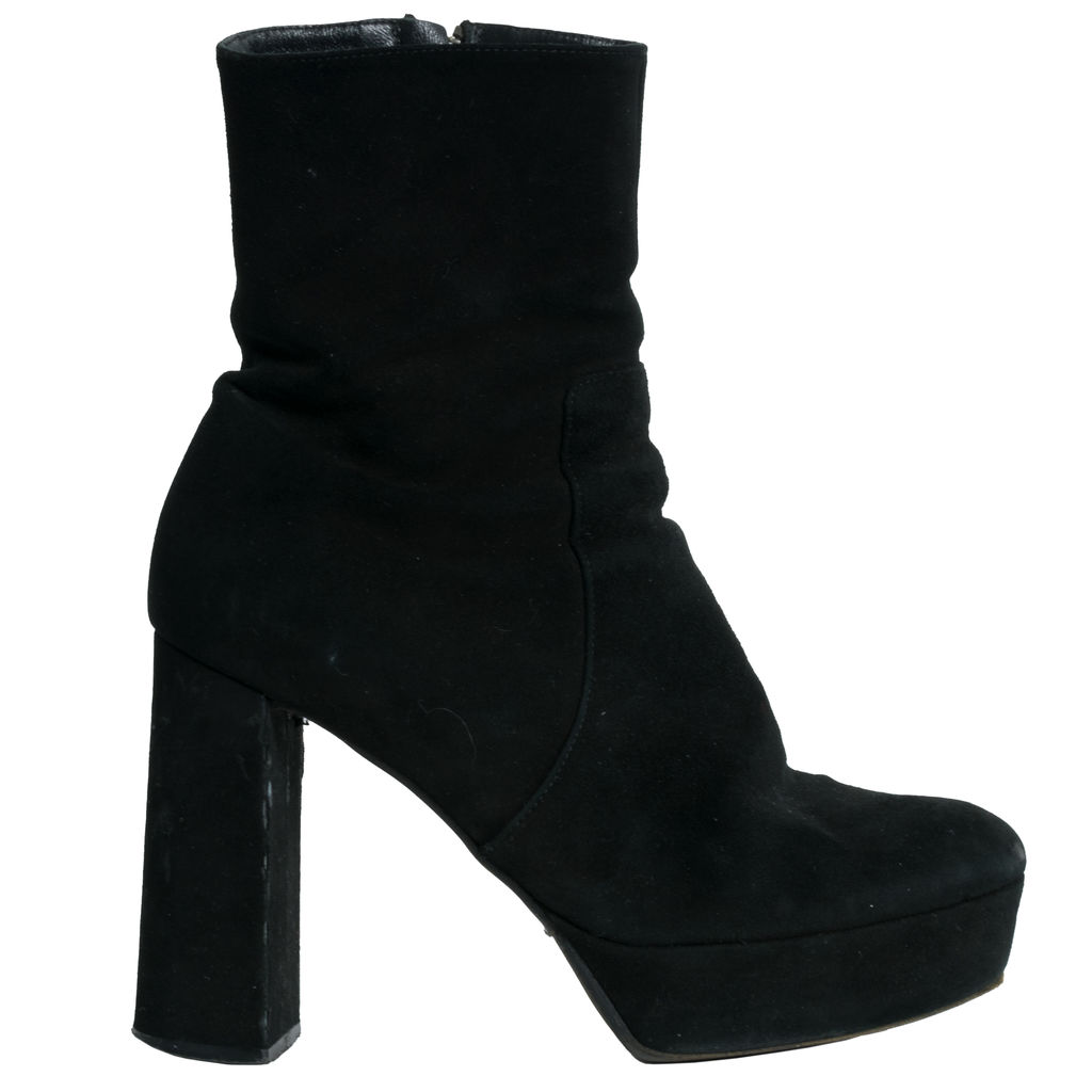 Vero Cuoio Suede Ankle Boots