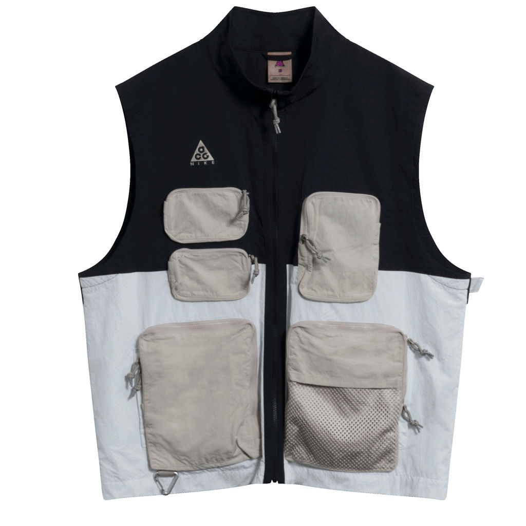Nike ACG Men's Vest in Black/Summit/Silver