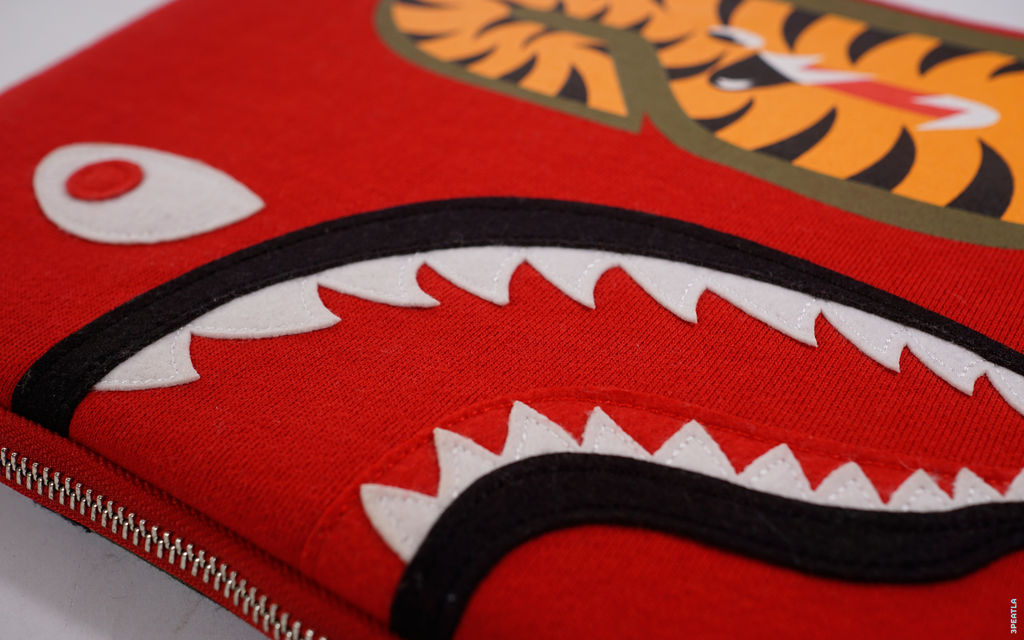 BAPE WGM Wappen Shark Laptop Case