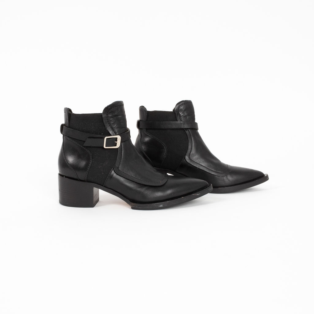 Nº21 Belted Leather Boots